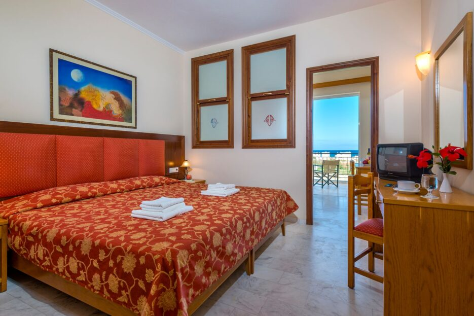 Selini Suites – A modern hotel complex in the traditional coastal village Rapaniana of municipality of Platania